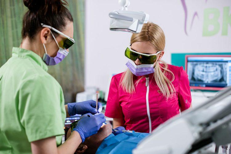 Laser v zobozdravstvu
